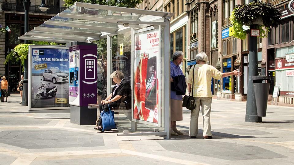 buszváró üvegtetővel 1 (Array)
