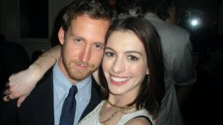 Anne Hathaway & Adam Shulman (anne hathaway, )