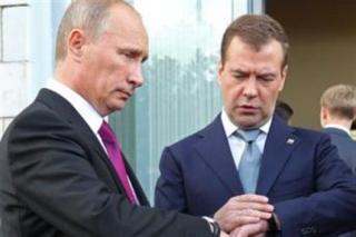 Putyin-es-Medvegyev(430x286).png (vlagyimir putyin, dmitrij medvegyev, )
