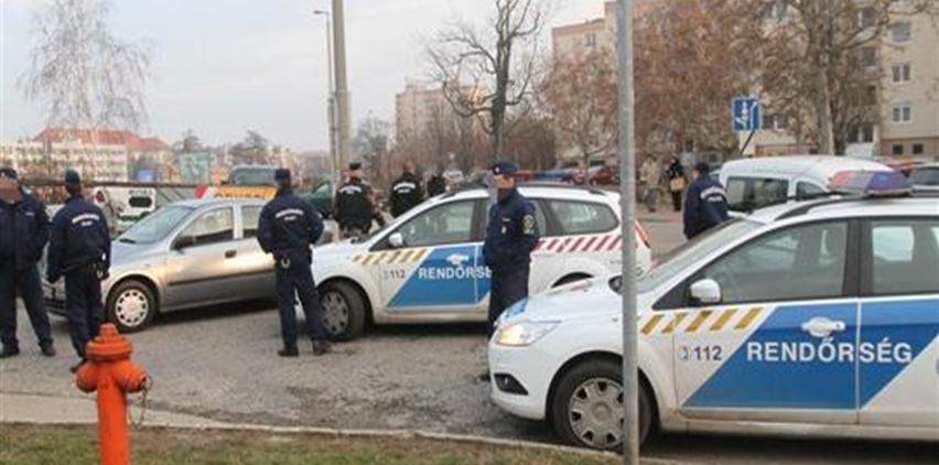 Rablot-fogo-rendorok(1024x768).png (rablót fohó rendőrök)