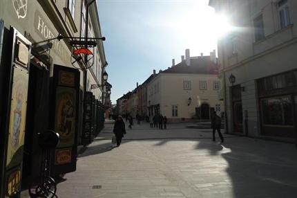 Jedlik-Anyos-utca(1)(430x286).png (Jedlik Ányos utca)