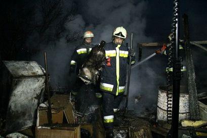 Két PB gázpalack is felrobbant (felrobbant gázpalac)