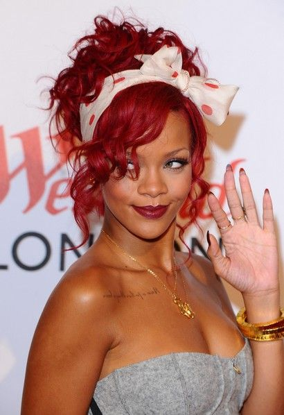 Rihanna piros haja (rihanna, )