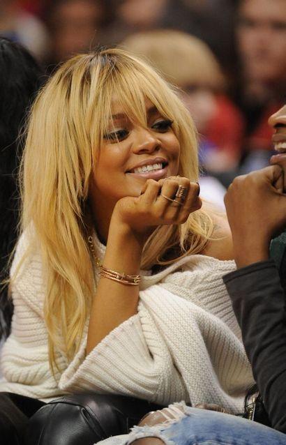 Rihanna szőke haja (rihanna, )