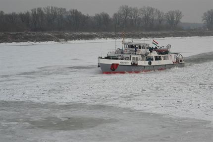 Szechenyi-jegtoro(1)(430x286).png (Széchenyi jégtörő)