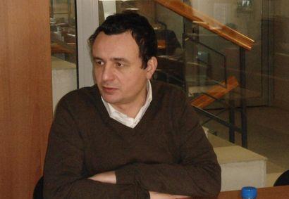 Albin Kurti, Koszovó (koszovó, kosovska mitrovica, mitrovica, albin kurti)