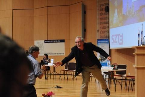 Erik Wiechaus és Tim Hunt (Erik Wiechaus és Tim Hunt)