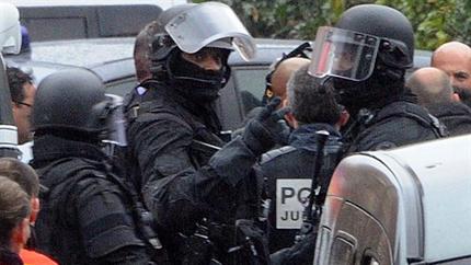 Francia-kommandosok(1)(430x286).png (franciaország, rendőrség, )
