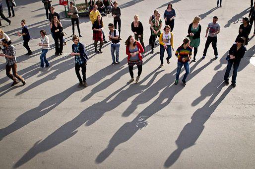 A Phiren Amenca flashmobja (Phiren Amenca, flashmob, Széll Kálmán tér)