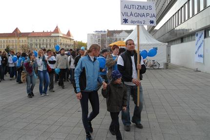 autista-vilagnap-Gyor(430x286)(2).png (autista világnap - Győr)