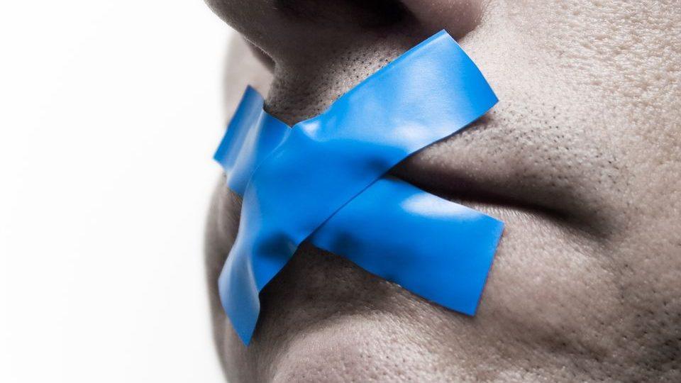 Cenzúra (cenzúra, )