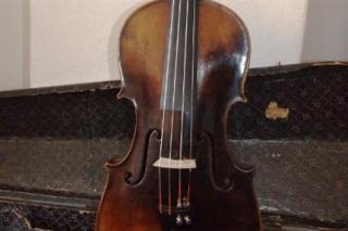 Danko-Pista-hegeduje(2)(430x286).png (Dankó Pista hegedűje)