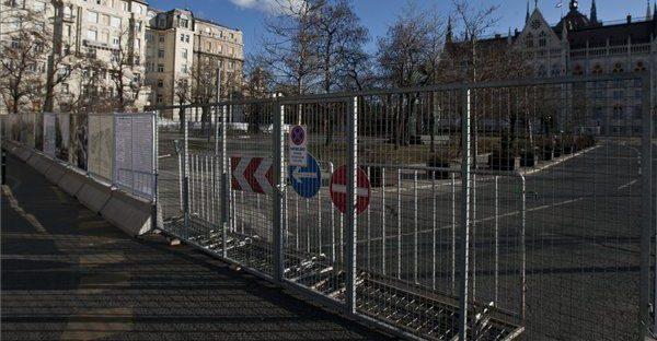 kossuth-tér (kossuth tér, parlament, parkoló, )