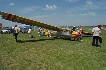 Per-repuloter(2)(430x286).png (Pér repülőtér)