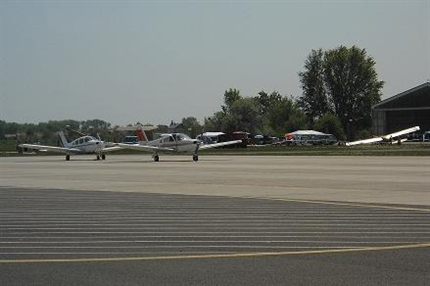 Per-repuloter(430x286).png (Pér repülőtér)