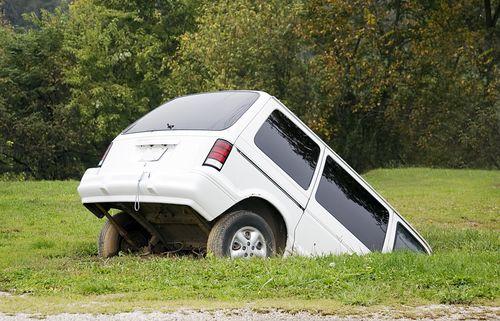 Árokba hajtott a kisteherautó (baleset, karambol, furgon, )