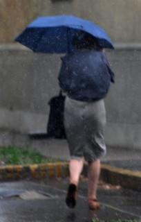 eső(i) (eső, esernyő)