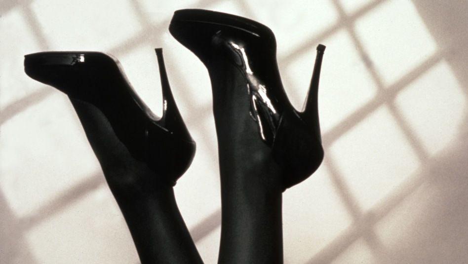 tűsarok (tűsarok, női cipő)