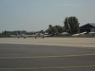 Pér repülőtér (Pér repülőtér)