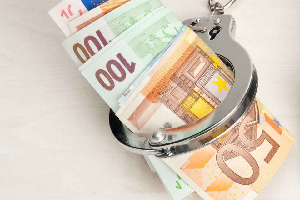 euro-bilincs (euro, bilincs, )