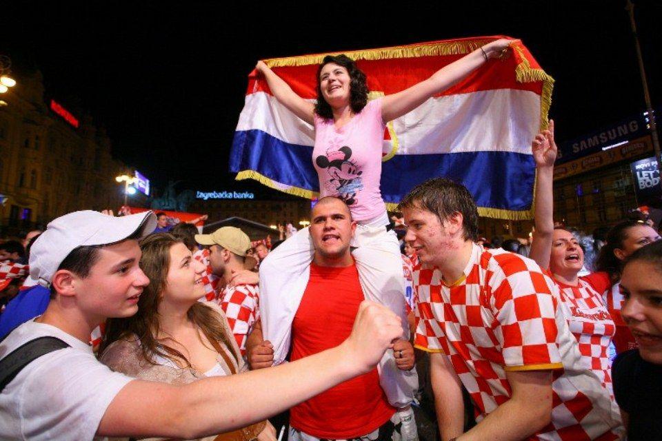 horvát-öröm (horvát szurkolók )