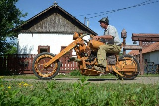 motor akácfából (famotor, motor, akácfa)