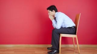 Egyedül senkik vagyunk a piaci hajszában? (magány, egyedül, vállalkozó, üzletember, szék, dilemma, )