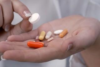 Gyógyszer (gyógyszer, orvosság, pirula, gyógyszertár, egészségügy, )
