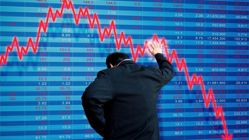 Tombol a piaci hiszti - tépik a forintot (tőzsde, befektető, árfolyam,)
