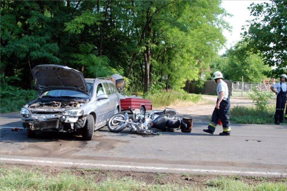 baleset-motorok-utánfutó (ingyenes, )