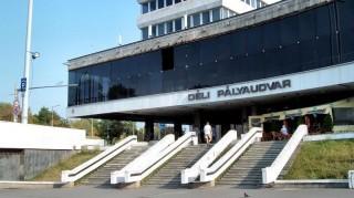 déli pályaudvar (déli pályaudvar, vonatbaleset, )