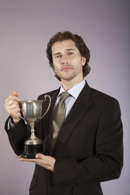 díj (díj, elismerés, )