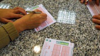 lottó (lottó, szerencsejáték, )