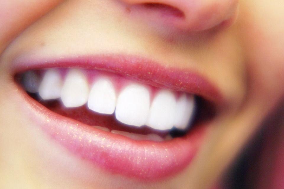 mosoly (nevetés, )