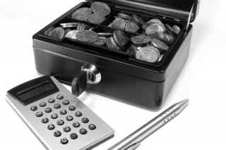 számológép-pénz (számológép, pénz, )