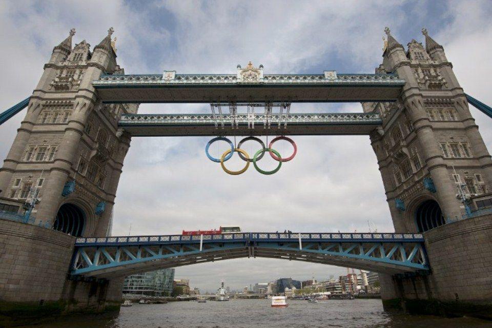 tower-bridge-olimpia (olimpiai karikák, tower bridge, )
