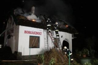 tűz-kápolnásnyék (tűz kápolnásnyéken)