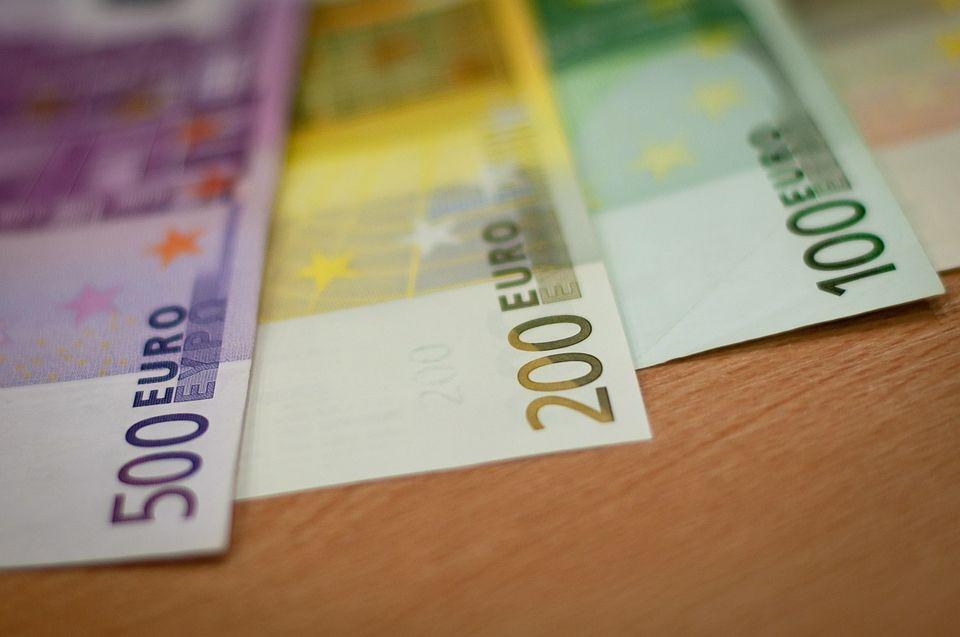 Euró (Euró, valuta, bankjegy)