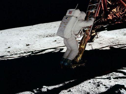 Holdraszállás (hold,)