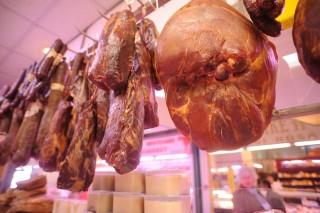 Hús (hús, hentes, )
