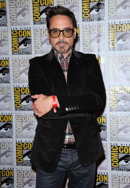 Robert Downey Jr (robert downey jr., )