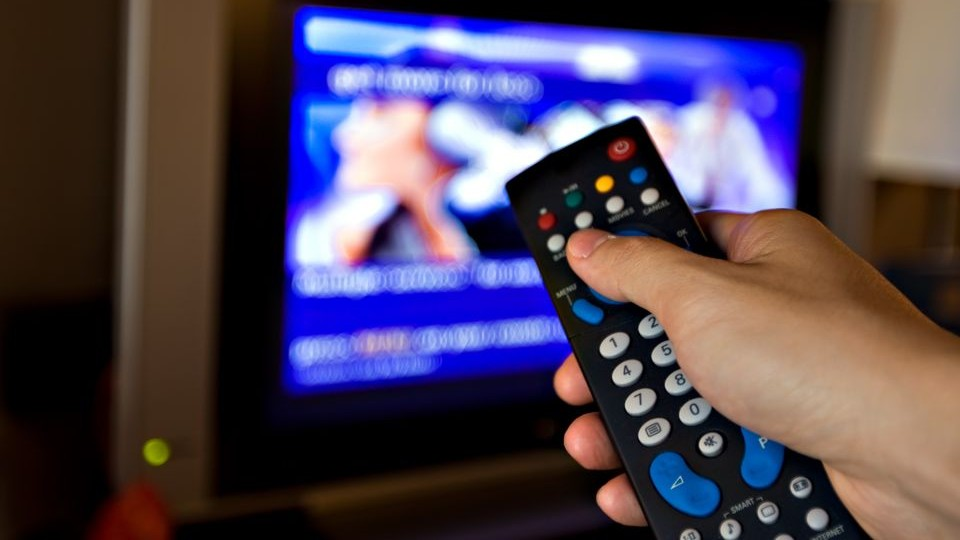 Televizio(210x140)(1).jpg (televízió, tévénézés, )