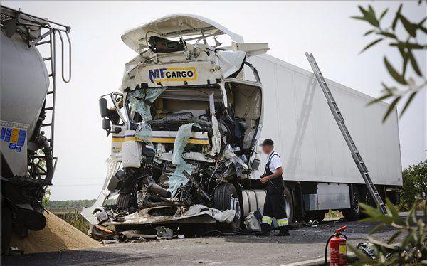 baleset, kamion, halál (baleset, kamion, halál)