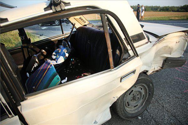 baleset, közlekedés, áldozat (baleset, közlekedés, áldozat)