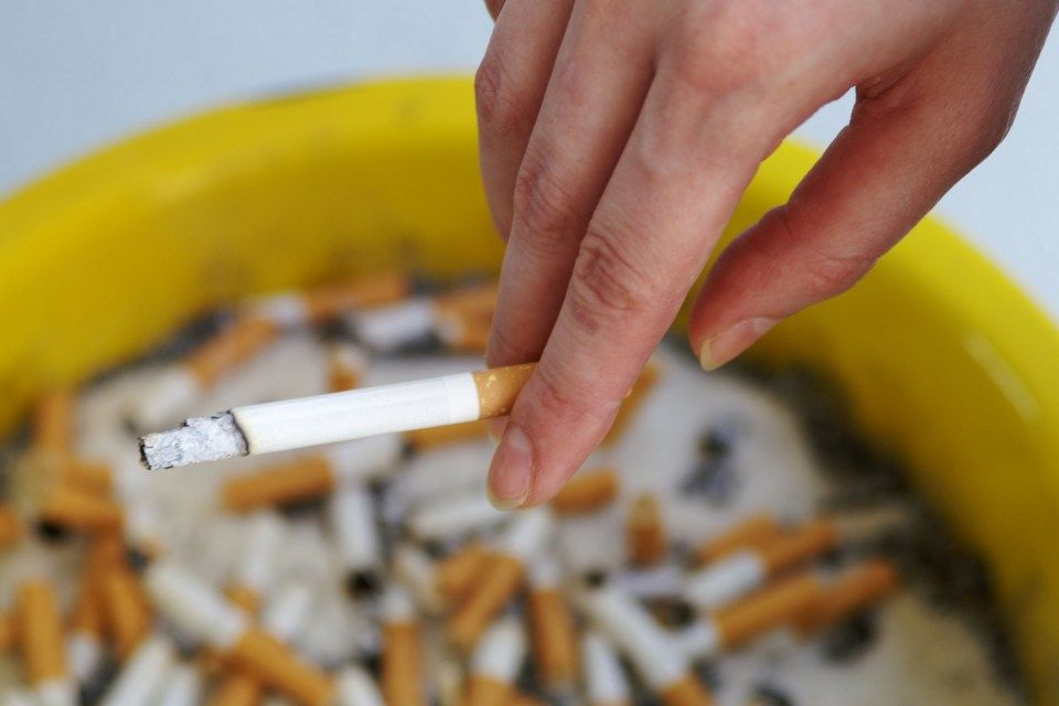 cigaretta (cigaretta, csikkek)