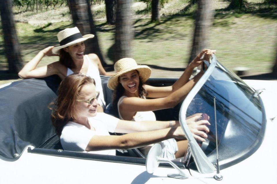 csajok (nők, autóvezetés, )