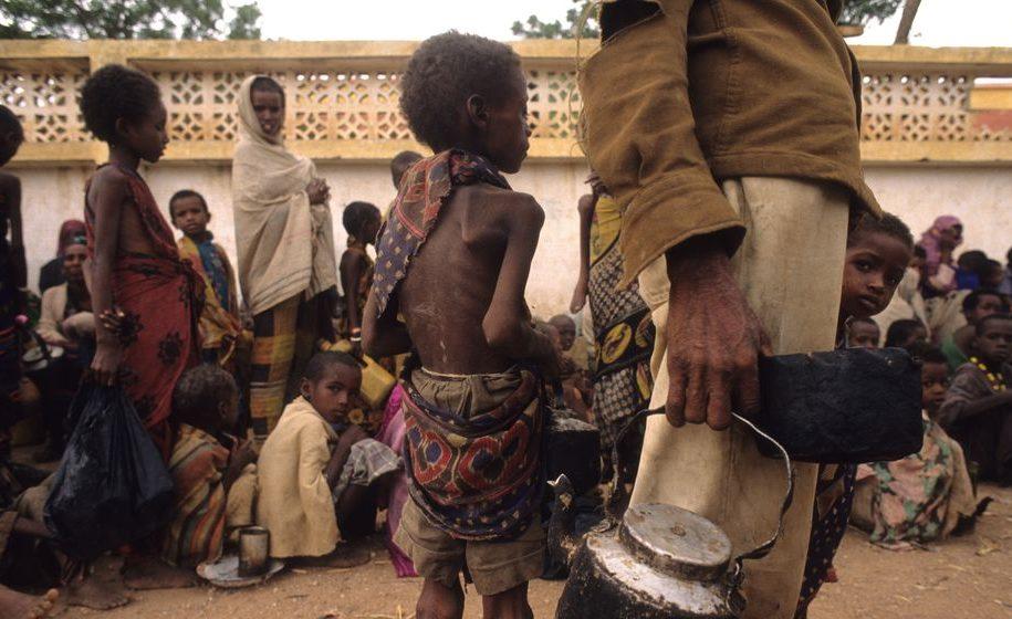 éhség (éhség, éhezés, éhínség, afrika)