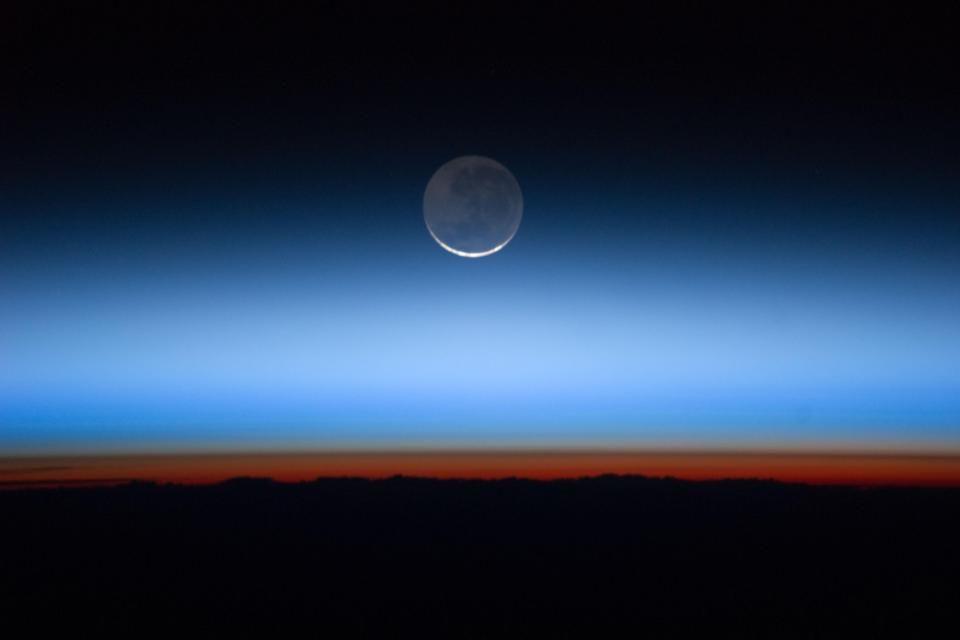 hold (kék hold)