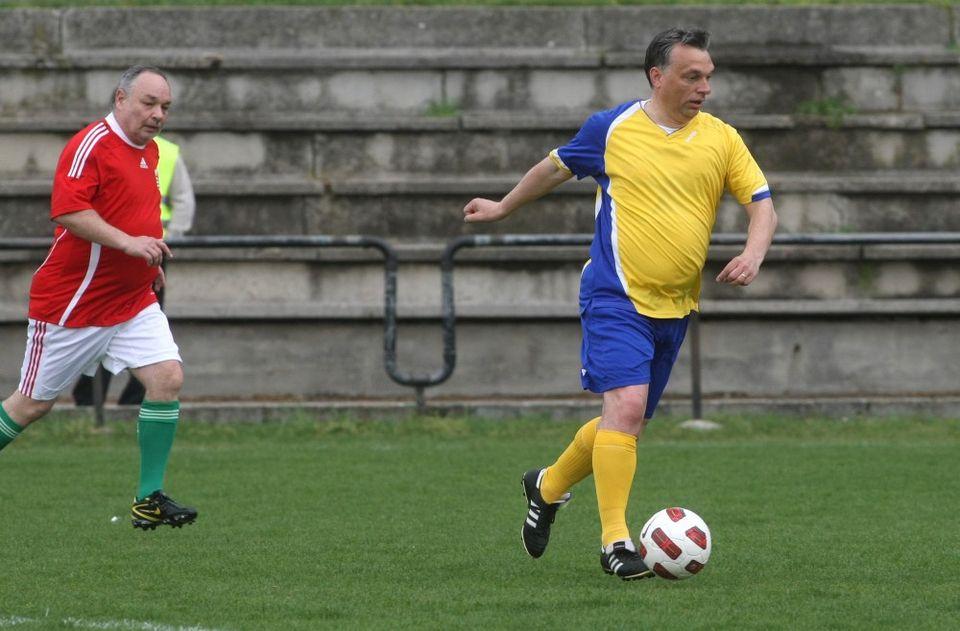 orban-focizik(960x640)(2).jpg (orbán viktor focizik)