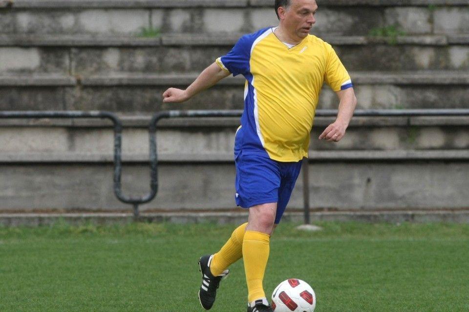 orbán-focizik (orbán viktor, futball, )